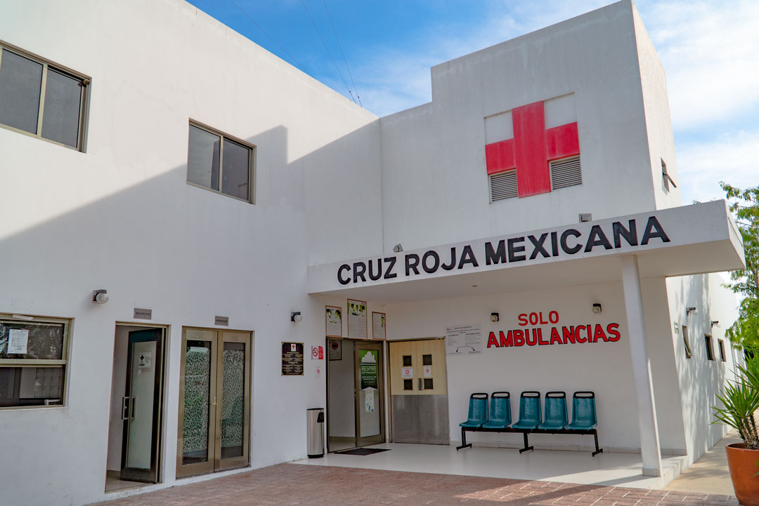 Knee Surgery at the Red Cross Hospital in Merida, Mexico