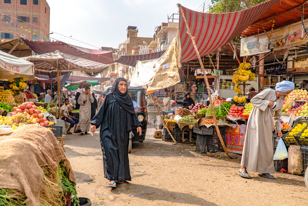 Fight Poverty Through Travel. Egyptians doing their local shopping in Kom Ombo. In 2016 Russia banned fruit and vegetable imports from Egypt. In 2015 44% of all of Egypts exports were fruits and vegetables, primarily potatoes.